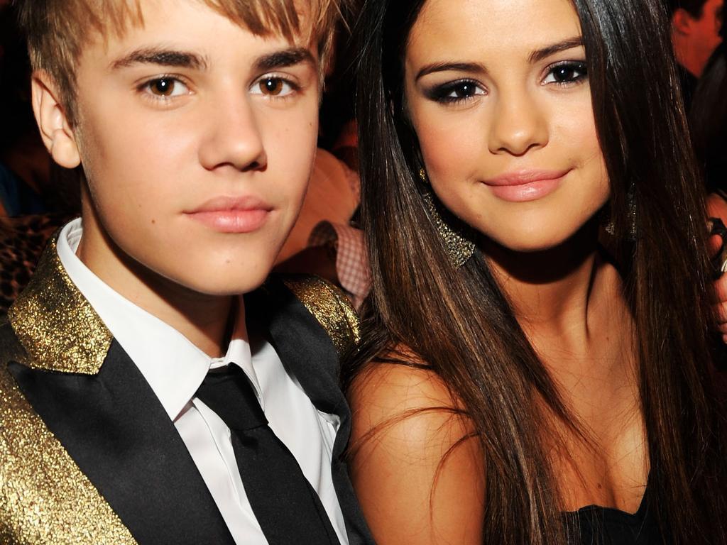 Is Selena Gomez dating iedereen nu