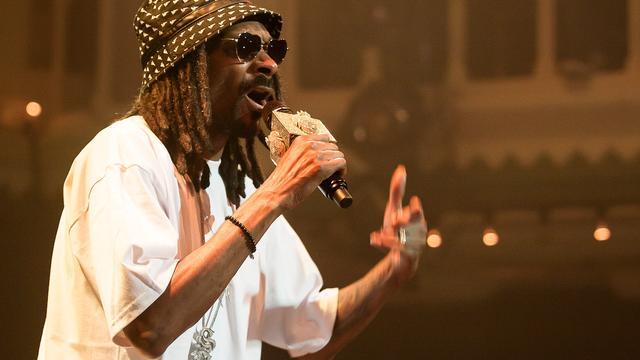Snoop Dogg glansloos en routineus in Paradiso