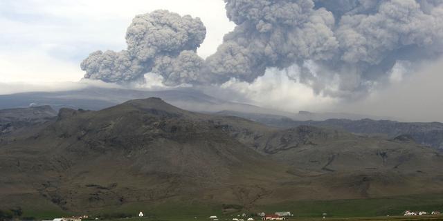 Toeristisch gebied IJsland ontruimd om vulkaan