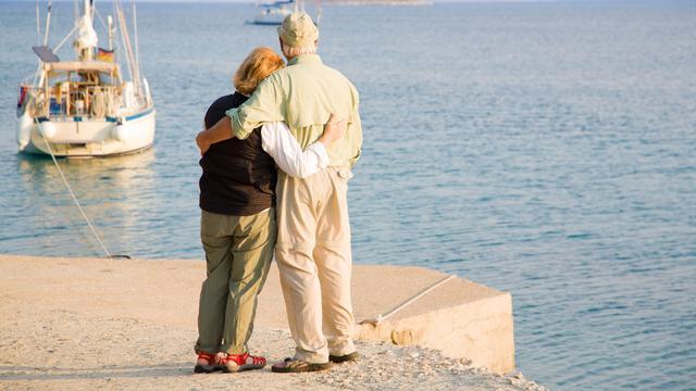 65-jarigen leven in 2024 driekwart jaar langer
