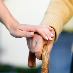 Korting op bijstand van verzorgende broer, zus of kleinkind van de baan