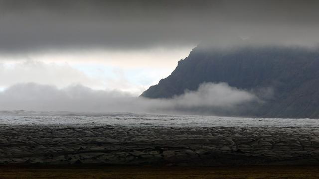 Weer code rood voor luchtvaart om vulkaan IJsland