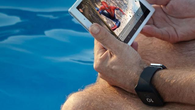 Sony toont kleinere tablet en nieuwe smartwatch op foto