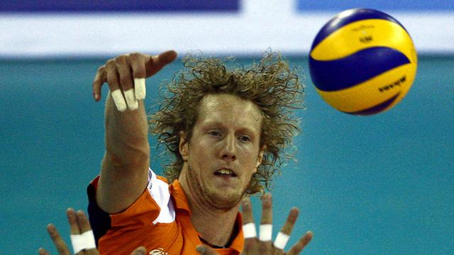 Volleyballers blijven in de race voor Olympische Spelen