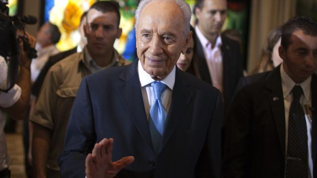 Shimon Peres noemt actie tegen Iran waarschijnlijker