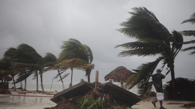 Tropische storm bij Haïti aangekomen