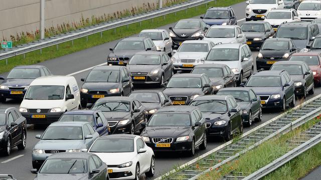 Nederlander woont gemiddeld 14 km van werk