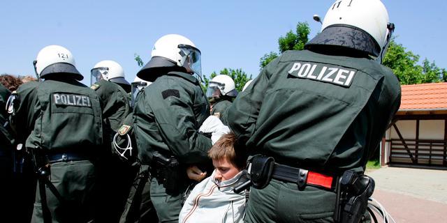 'Duitse politici gewaarschuwd voor aanslagen'