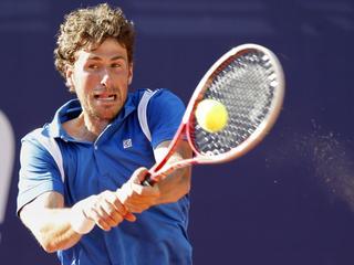 De Nederlander bereikt de tweede ronde van het Winston-Salem Open dankzij een simpele zege op de Rus.