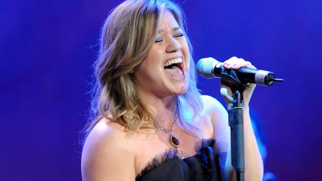Kelly Clarkson gelukkig in de liefde