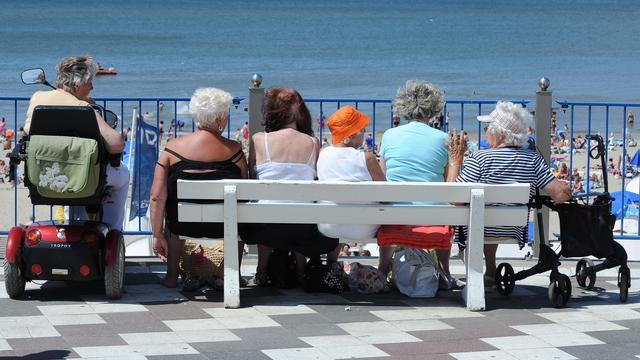 'Ruim helft senioren gaat nooit op vakantie met kinderen'