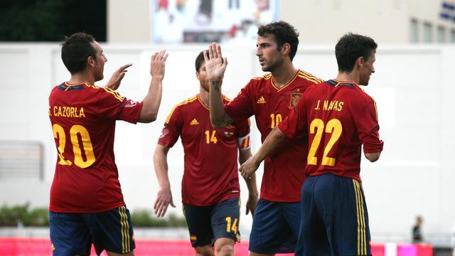 Spanje verslaat Puerto Rico in eerste duel na EK