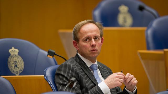 'Onderhandelaars overleggen met Van der Staaij'