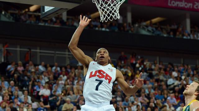 Basketballers VS zonder veel moeite naar halve finale
