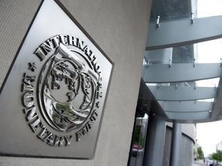 ECB en eurolanden zouden van een derde van hun vorderingen moeten afzien