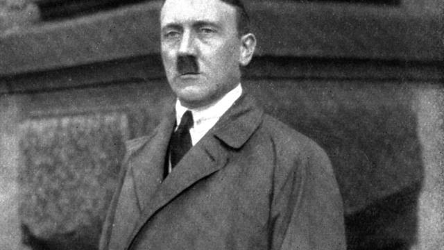 Designketel lijkt op Adolf Hitler