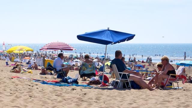 Strandgangers zondag in de file