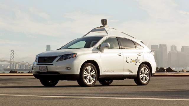 VS verplicht dat auto's met elkaar kunnen 'praten'