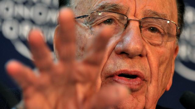 Murdoch ontkent politici om hulp te hebben gevraagd