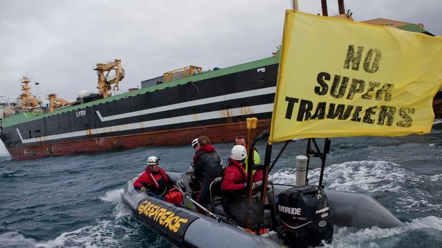 Greenpeaceschip verlaat Noordelijke Zeeroute