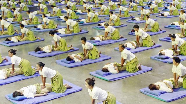 Thailand breekt wereldrecord massage geven