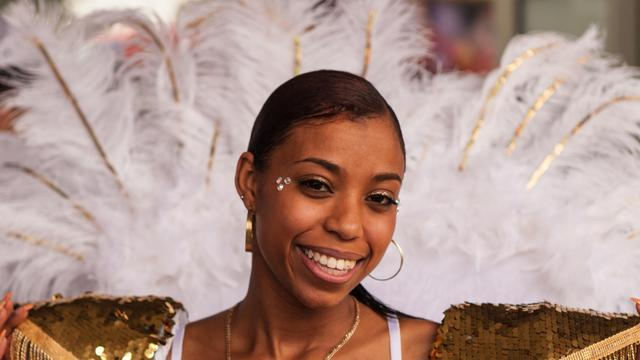 Parade Zomercarnaval in volle gang