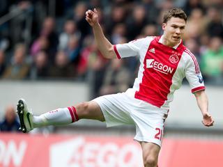 Op een scan die van de linksbuiten van Ajax is gemaakt, is geen schade aan zijn rug te zien.