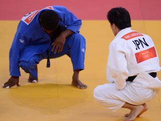 De Nederlander verliest van Sainjargal uit Mongolië in de klasse tot 73 kilogram. Even daarvoor moest hij buigen voor wereldkampioen Nakaya.