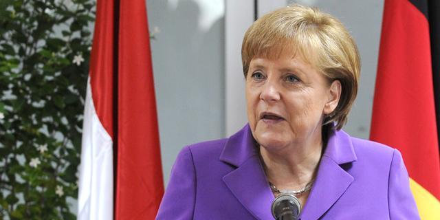 Duitsers vertrouwen Merkel in schuldencrisis