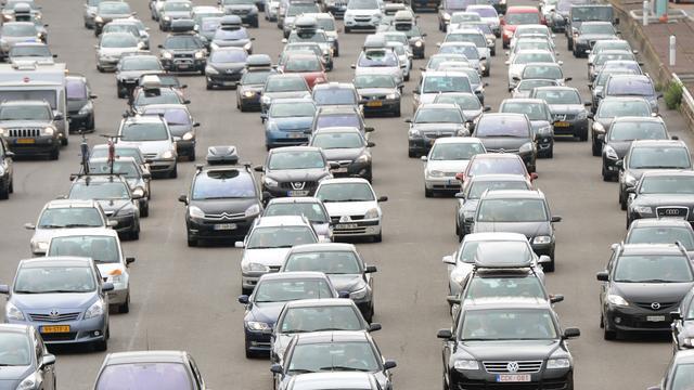 Vrijdagmiddag al veel drukte op wegen naar het zuiden