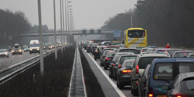 Ongeluk op A58 bij Ulvenhout richting Breda, rechterrijstrook dicht