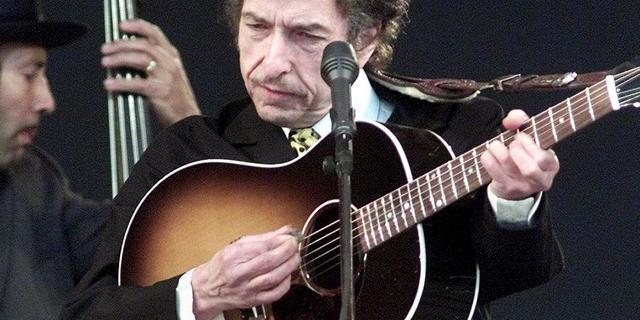 Radicaal rechtse Franse politica tegen onderscheiding Bob Dylan