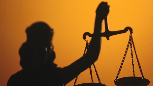 Elf en dertien jaar cel voor beschieten agenten met kalasjnikov