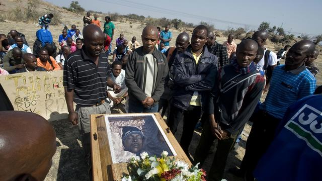 Baas Zuid-Afrikaanse politie lacht om doden