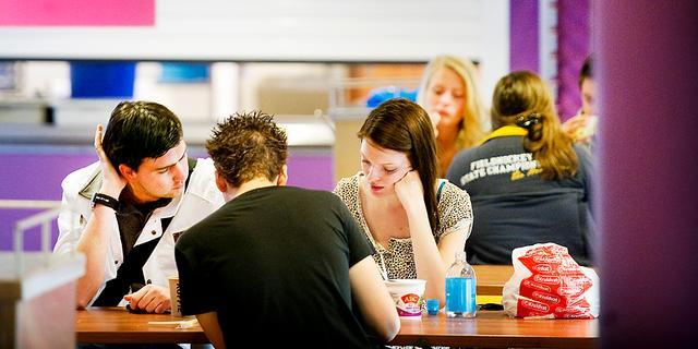 Aantal tieners stijgt komende jaren alleen in Randstad