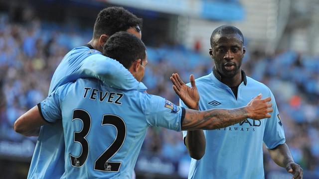 Manchester City verslaat QPR, Jol kansloos onderuit met Fulham