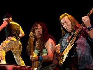 Band gaat anders te werk voor zestiende studio-album