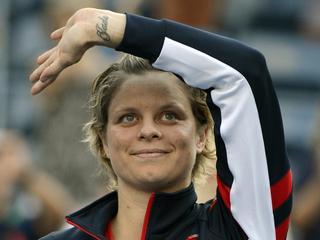 Na haar uitschakeling in het enkelspel, gaat de Belgische met Bob Bryan op de US Open onderuit in het gemengd dubbel.