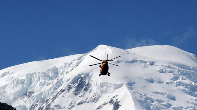 Honderden mensen met helikopter geëvacueerd uit Alpen