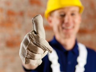 Ruim helft werknemers die werkloos dreigden te worden weer aan de slag
