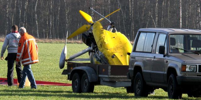 Microlight vliegtuigje maakt noodlanding