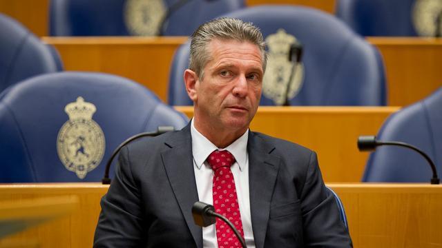 PVV wil beperking bijbaantjes toezichthouders