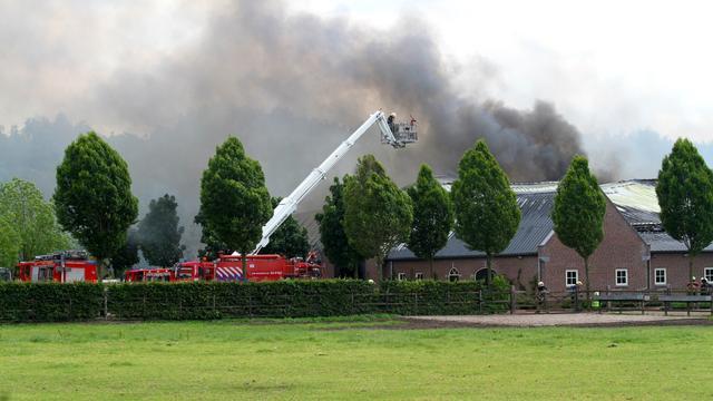Grote brand in paardenfokkerij