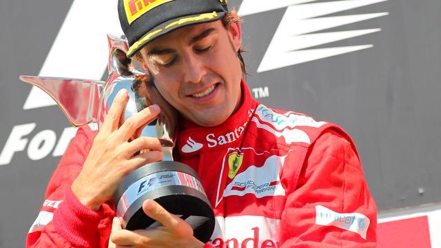 Alonso wint tumultueuze GP van Europa, Schumacher op podium