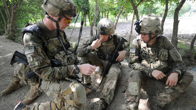 NAVO eist financiële steun voor Afghanistan