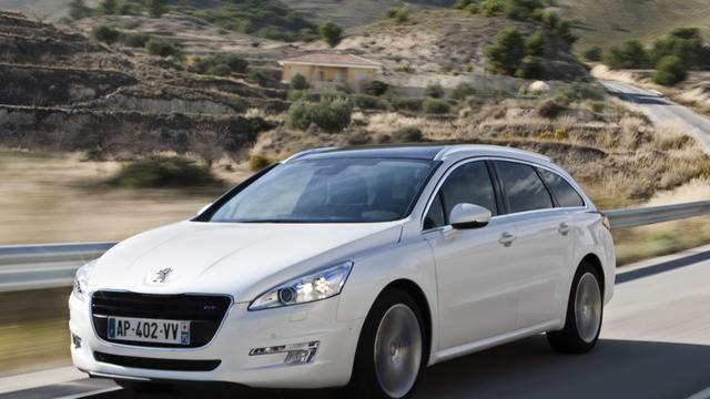 Franse autoverkoop in vrije val