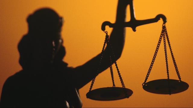 Rechtbank hoort 3 getuigen in witwaszaak voormalig VVD-raadslid