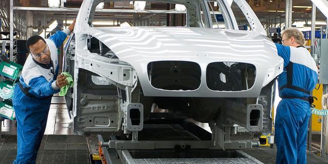 'BMW wil deel van productie weghalen bij Bornse fabrikant VDL Nedcar'