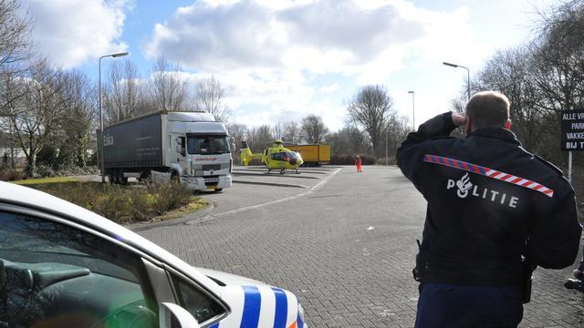 Agent meegesleurd door auto inbreker