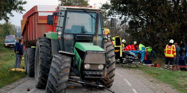 Raad maant minister om veiligheid tractors